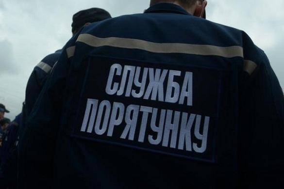На Черкащині рятувальники допомогли медикам потрапити до квартири, в якій жінка потребувала допомоги