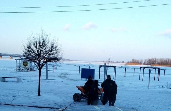 У Черкасах врятували двох хлопців, які провалилися під лід