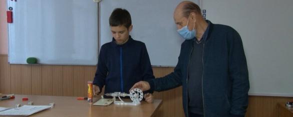 Діти-винахідники з Черкас створюють двигуни, роботів та мобільні додатки