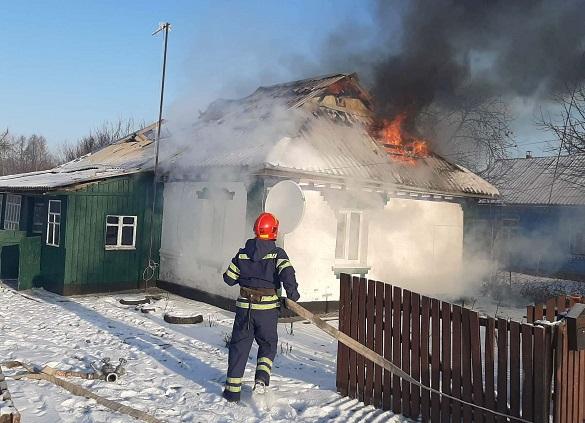 У Черкаській області через несправне пічне опалення горів будинок (ВІДЕО)
