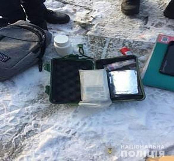Нервувався й не хотів говорити: в Черкаській області затримали чоловіка з наркотиками