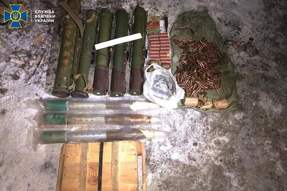На Черкащині викрили чоловіка, який з-за ґрат намагався продавати зброю та вибухівку
