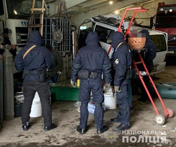 Домашній арешт та тримання під вартою: черкащанам, які виготовляли наркотики, суд обрав запобіжні заходи