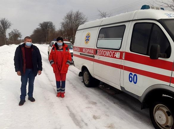 Перегриз крапельницю та поліз битися: у Черкаській області пацієнт напав на медиків