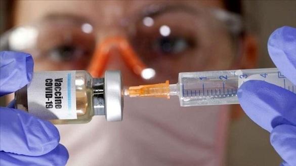 В Україну доставили першу партію вакцини від COVID-19