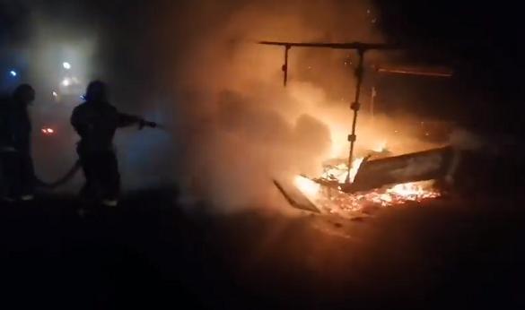 У Черкаській області вщент згорів автомобіль (ВІДЕО)