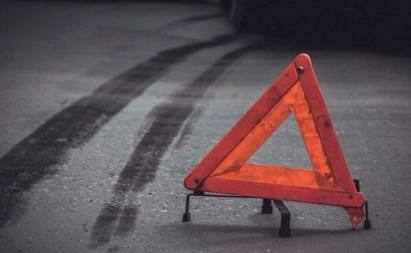 У Черкасах біля медичної академії зіштовхнулись два автомобілі