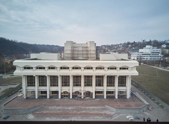 Через 36 років: у Каневі почали реконструювати Будинок культури