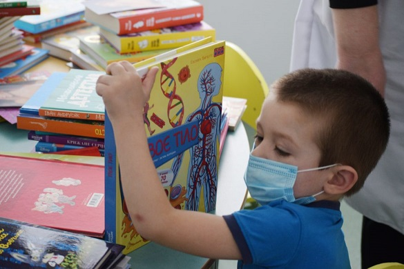 Діти з Черкаської обласної лікарні отримали