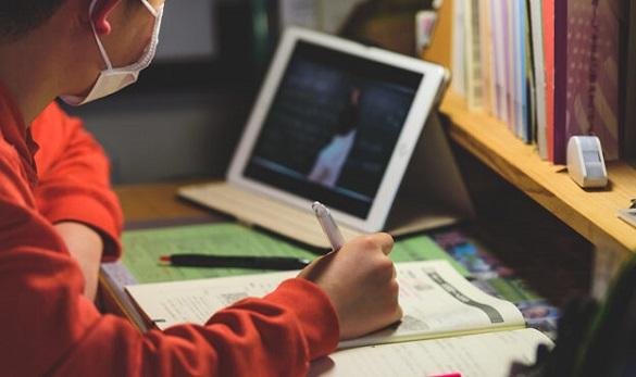 У Черкасах учні старших класів продовжать навчатися дистанційно