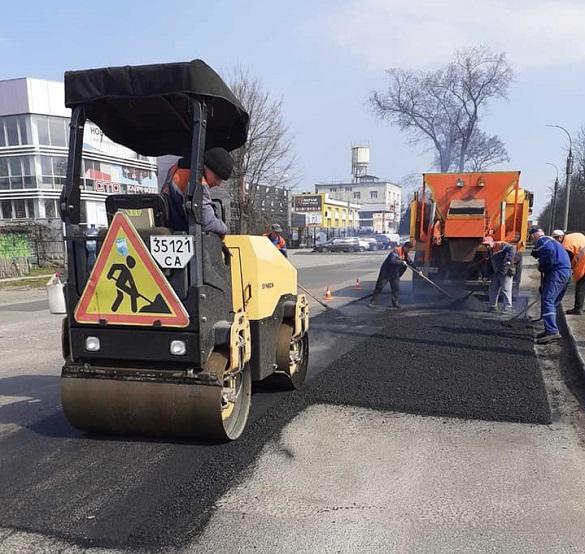 У Черкасах завершили ремонтувати дорогу на мосту по проспекту Хіміків (ФОТО)