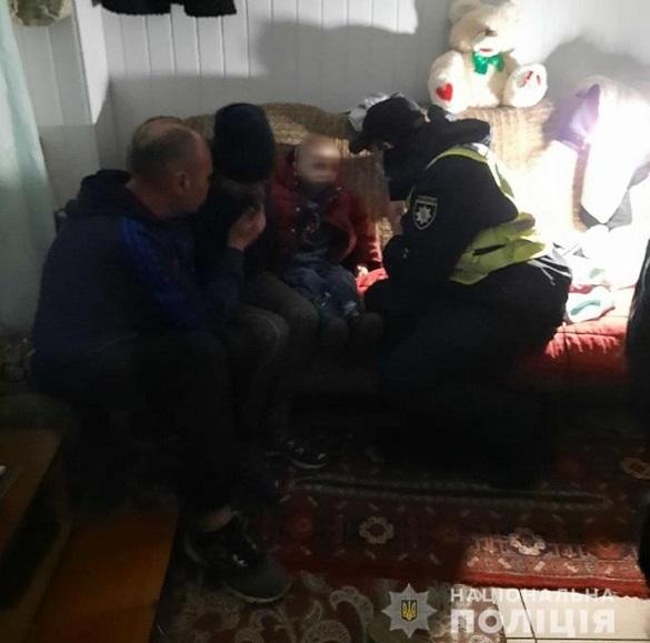 Від п'яної матері в Черкасах забрали брудного та хворого трирічного сина