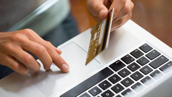На замітку черкащанам: чотири сценарії, як шахраї крадуть гроші з банківської картки