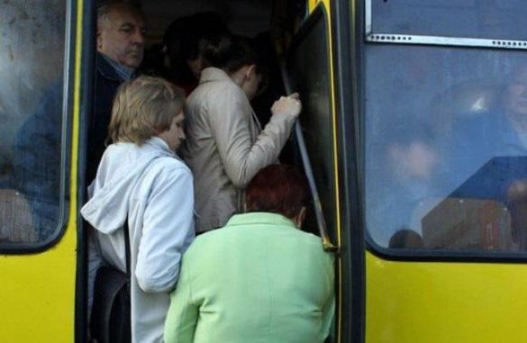 Заповнені маршрутки без кондукторів: черкащани просять навести лад в автобусах