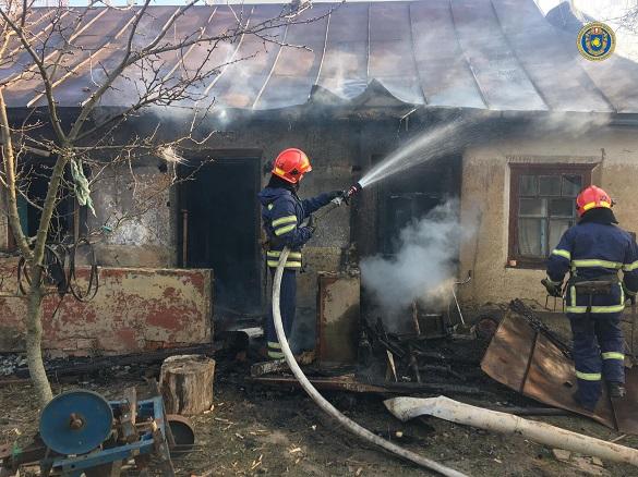 Через коротке замикання на Черкащині горів житловий будинок (ФОТО)