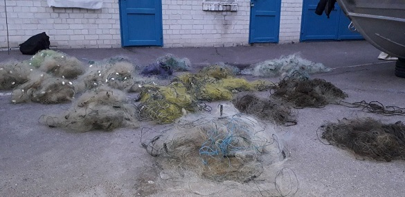 На Черкащині інспектори виловили сітки з рибою, довжина яких майже два кілометри (ФОТО)