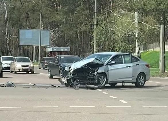 У Черкасах зіштовхнулись два автомобілі: жоден із водіїв провину не визнав (ВІДЕО)
