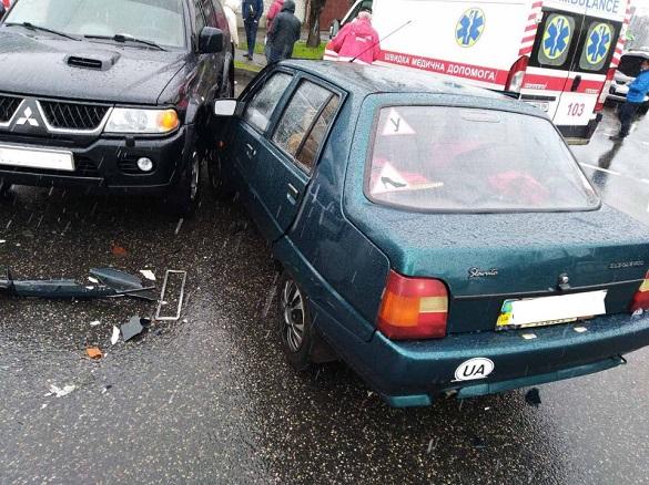 У Черкасах сталася аварія: постраждала жінка та дитина (ФОТО)