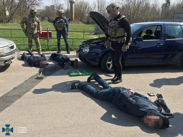 СБУ затримала організатора банди, яка продавала фальшиві паспорти країн ЄС на Черкащині