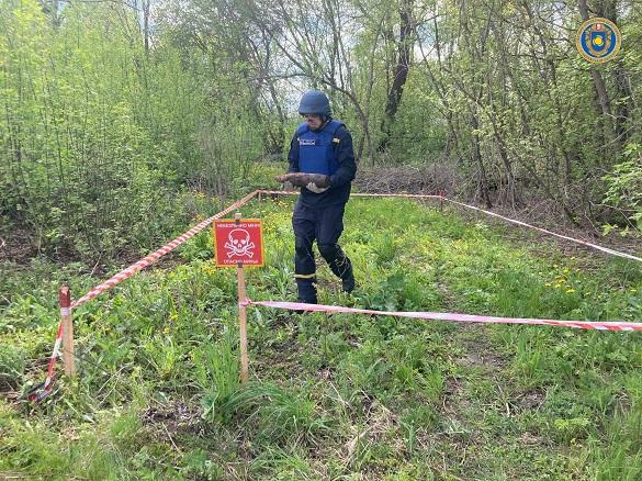 За добу на Черкащині сапери знищили п'ять вибухонебезпечних предметів часів війни