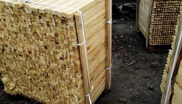 У Черкасах судитимуть жінку, яка незаконно перевозила деревину за кордон
