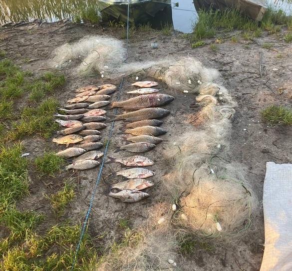 Браконьєра, який ловив рибу сіткою, затримали на Черкащині (ФОТО)