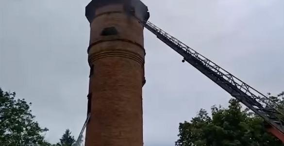 Із 30 метрової башти, яка горіла на Черкащині, врятували трьох людей (ВІДЕО)
