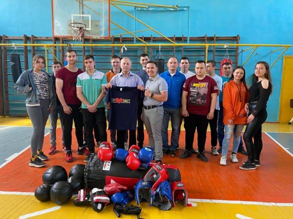 Боксери Черкащини отримали новий спортивний інвентар