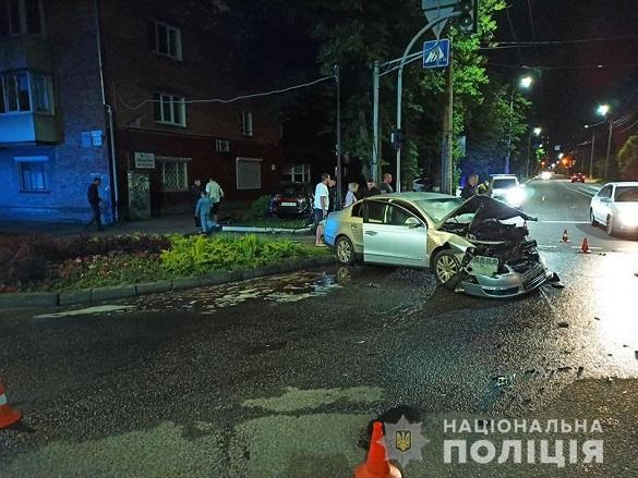 Поліція встановлює обставини масштабної аварії в Черкасах (ФОТО)