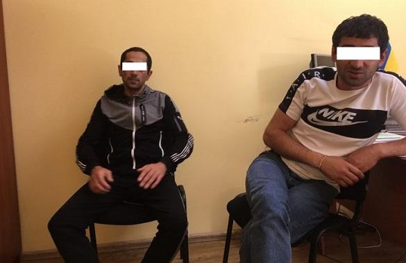 На Черкащині троє іноземців нелегально працювали у закладі громадського харчування