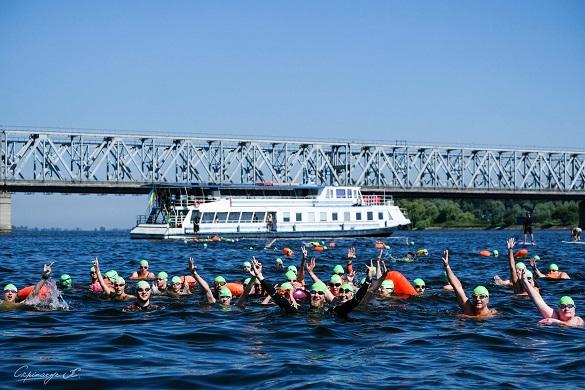 3, 5, 10 чи навіть 20 кілометрів: у Черкасах перепливатимуть Дніпро тринадцятий раз