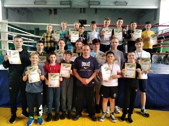 Черкаські кікбоксери здобули майже 20 нагород на відкритому Чемпіонаті