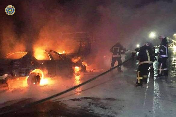 На черкаській дамбі внаслідок зіткнення загорілися автомобілі: четверо осіб постраждали (ФОТО)