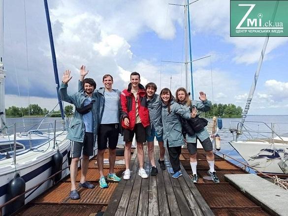 Бойове хрещення грозами, укуси гадюк, нічні мандри та прекрасні світанки: в Черкасах фінішувала перша водна експедиція Ukraїner (ФОТО, ВІДЕО)