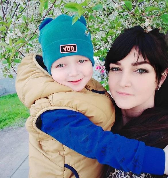 Залишився маленький син: родина жінки, яка загинула в автокатастрофі в Черкасах, потребує допомоги