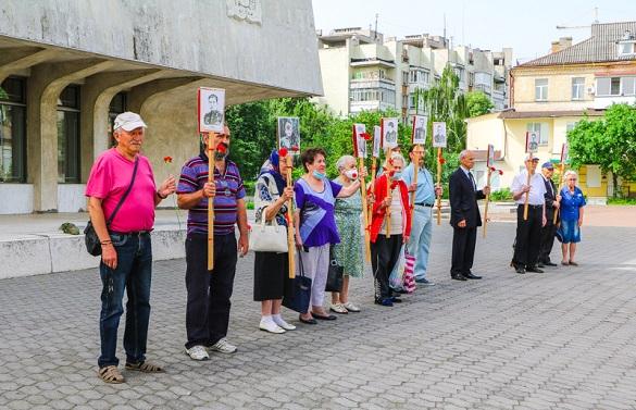 У Черкасах вшанували пам'ять жертв війни (ФОТО)