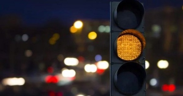 Черкащани просять, щоб уночі світлофори на головних вулицях не вимикали