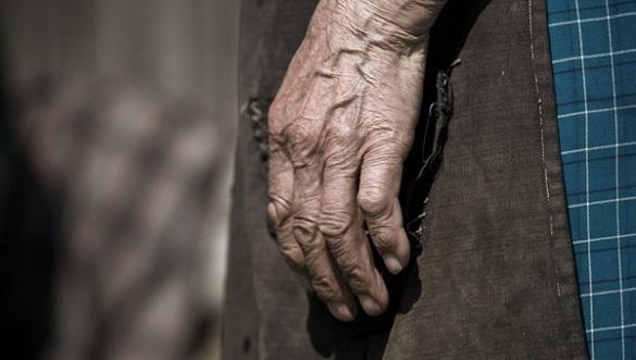 Не помітив як померла: у Черкасах син жив із трупом матері (ВІДЕО)