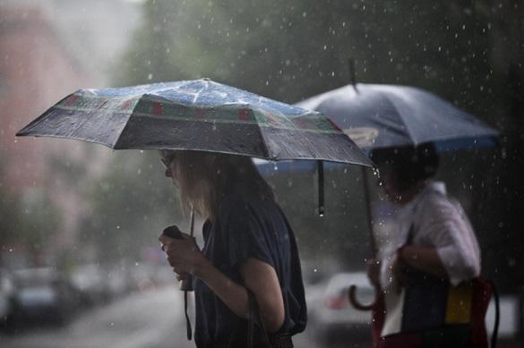 Завтра на Черкащині знову очікують грози й сильний вітер