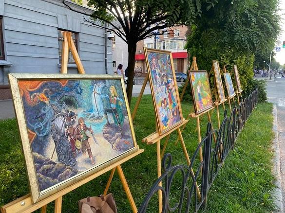 Вперше вулицю Хрещатик у Черкасах перетворили на мистецький простір