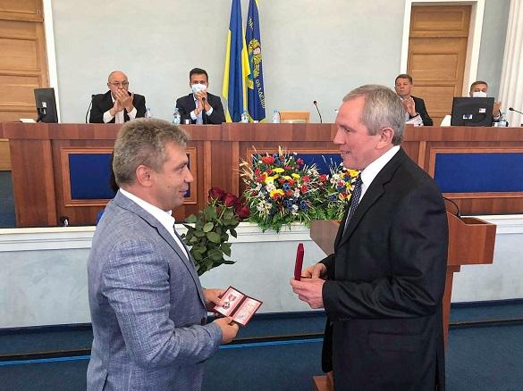 Головний диригент симфонічного оркестру став Почесним громадянином Черкащини