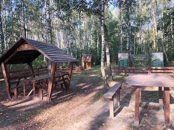 Гойдалки та альтанки: на Черкащині відновили рекреаційний пункт