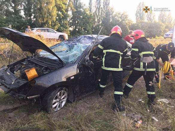 В аварії на Черкащині травмувався водій легковика, якого затисло в салоні (ФОТО)