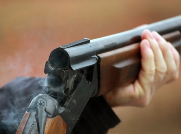 На Черкащині чоловік через зауваження застосував вогнепальну зброю
