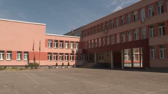 Черкаська гімназія повертається до роботи у звичайному режимі