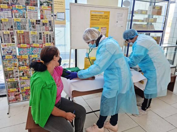 У Черкаській області можна вакцинуватися в 16-ти відділеннях Укрпошти