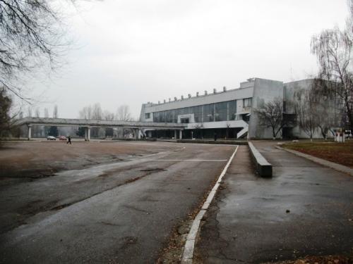 Черкащани думають, що новий автовокзал скоро заросте бур'яном