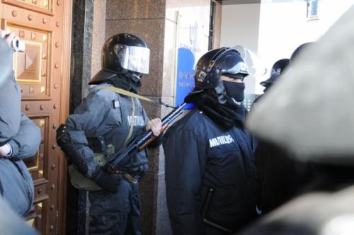 Міліціонери в АТО захищають країну, спокутують гріхи чи ховаються від правосуддя?