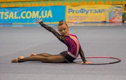 Юні гімнастки змагаються за звання чемпіонки Черкас