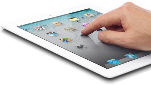 Школярі в Золотоноші подарували бійцю АТО планшет із вбудованим GPS